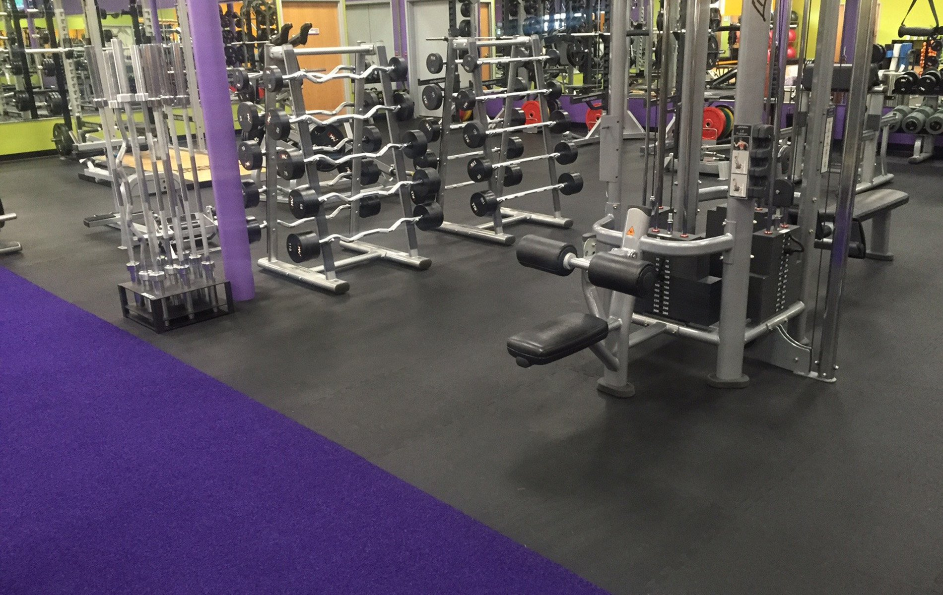 Commercial Chain Gym With Interlocking Tiles